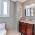 32_1stbathroom11