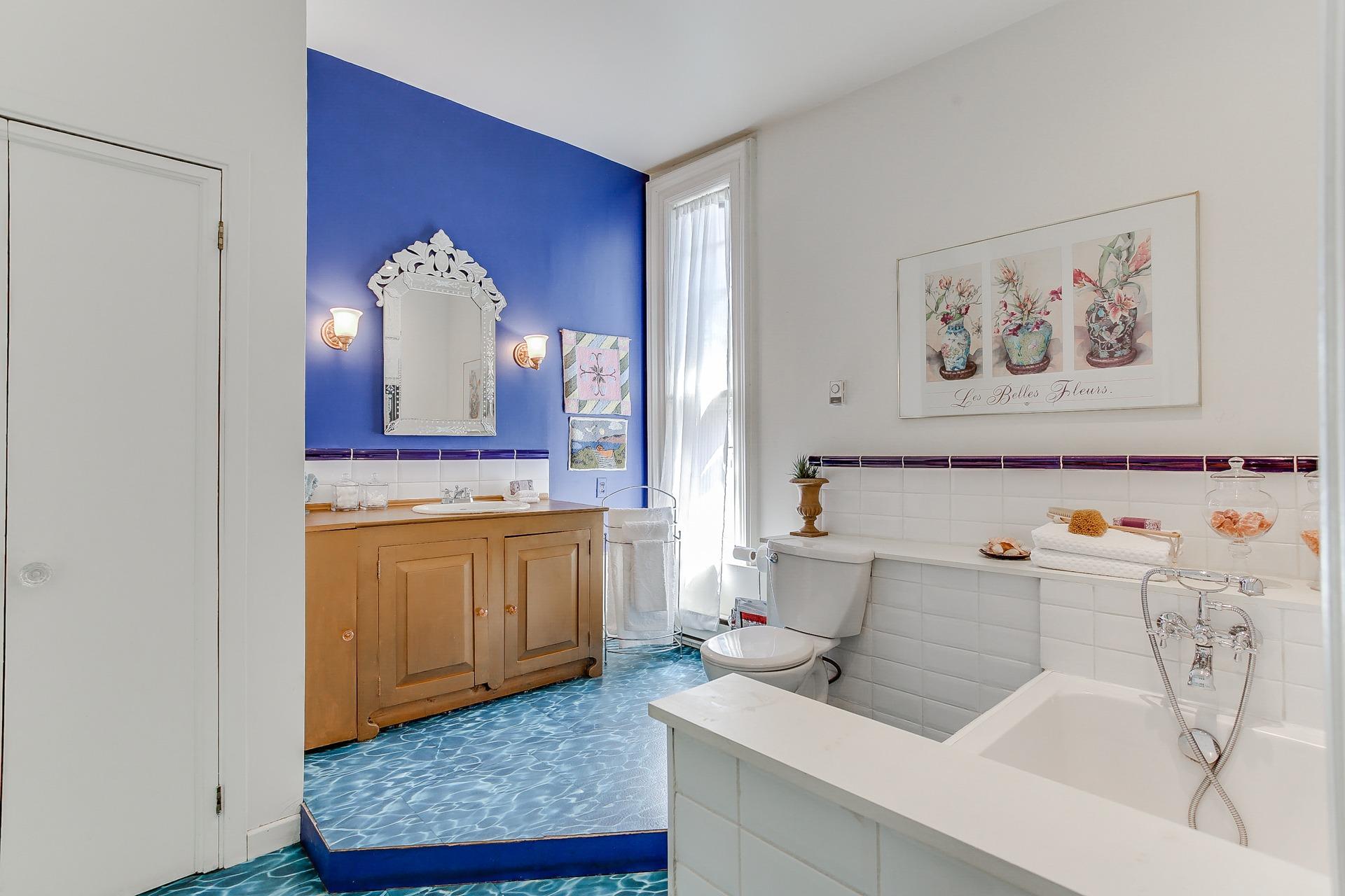 34_1stbathroom11