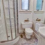 38_bathroom1