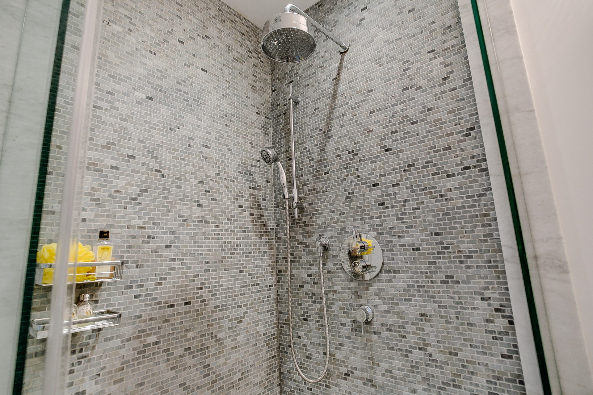 49_bathroom2