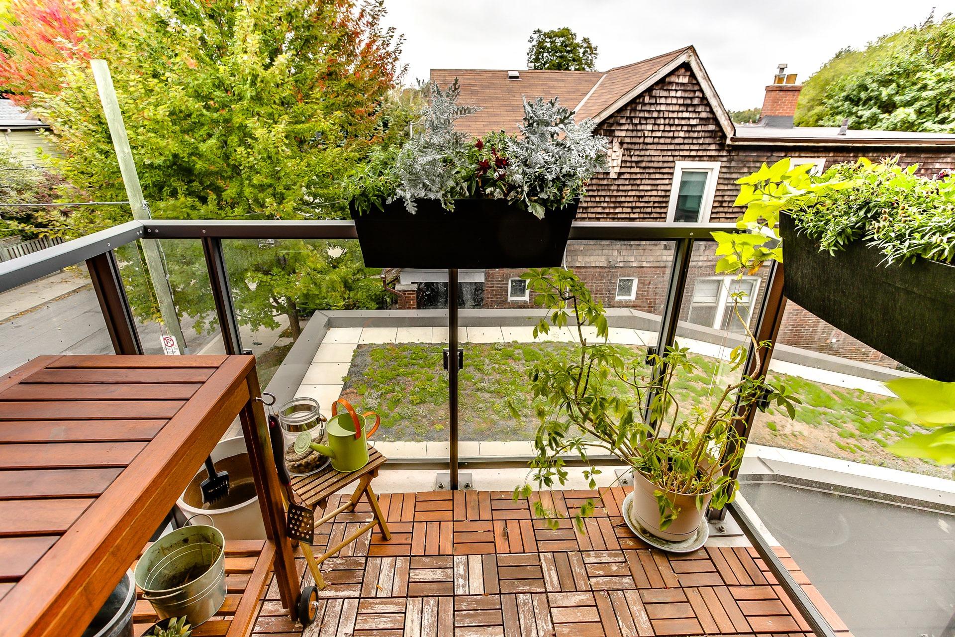 33_balcony1