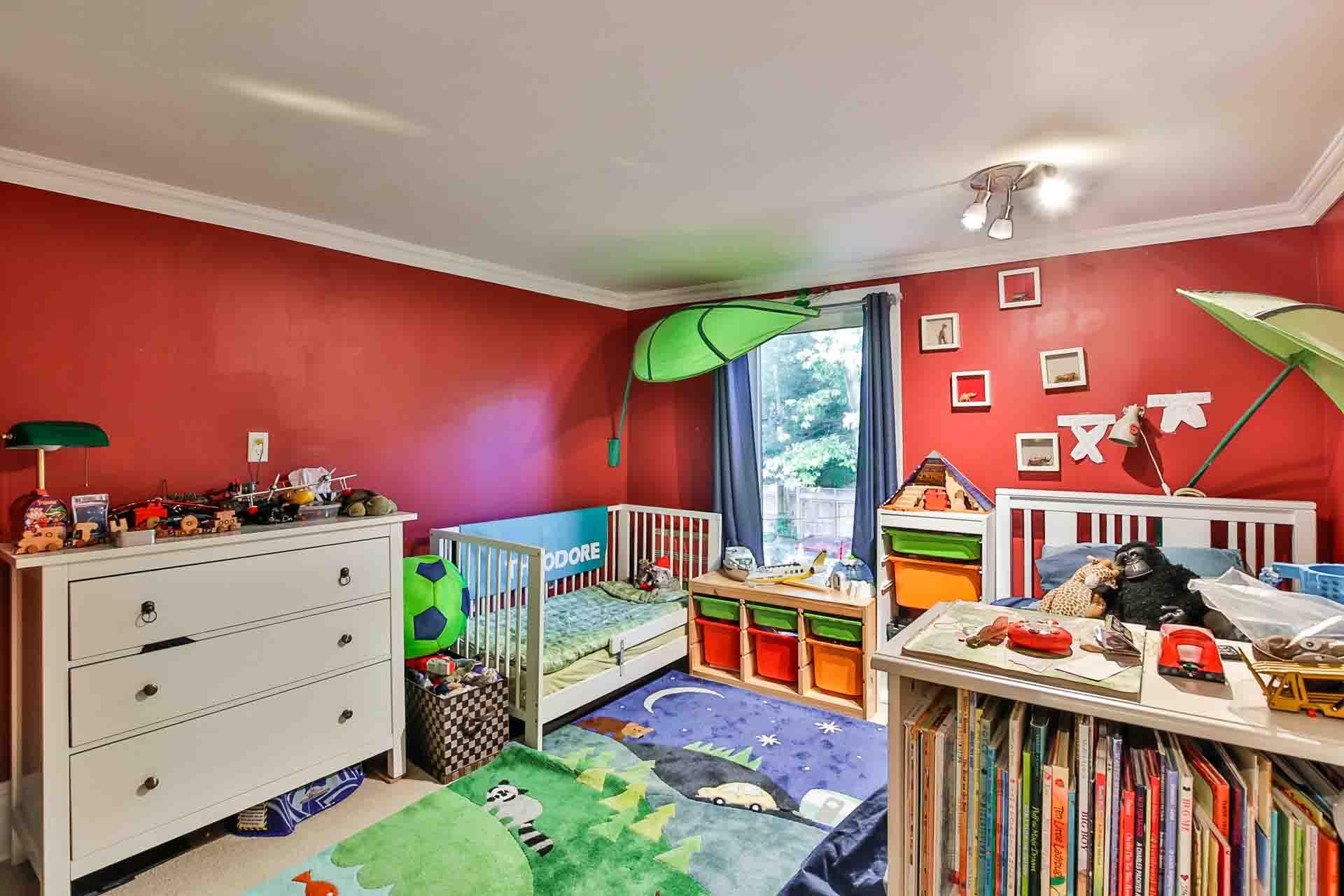 24_secondbedroom