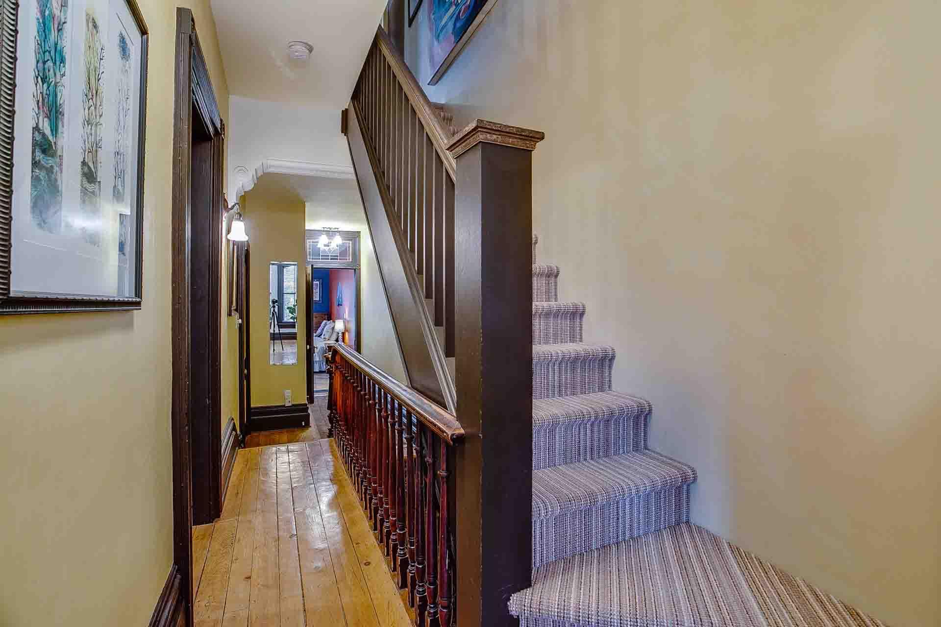 39_upper_hallway_2