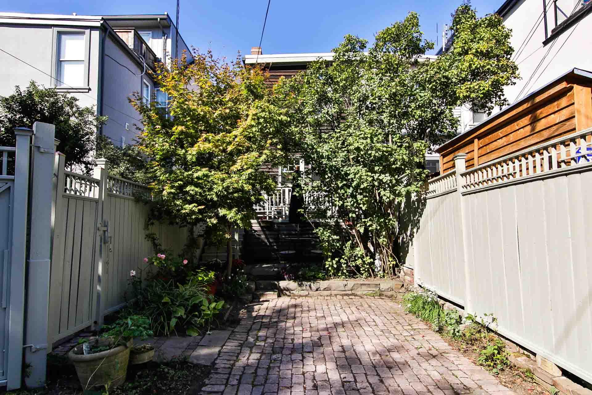 46_backyard