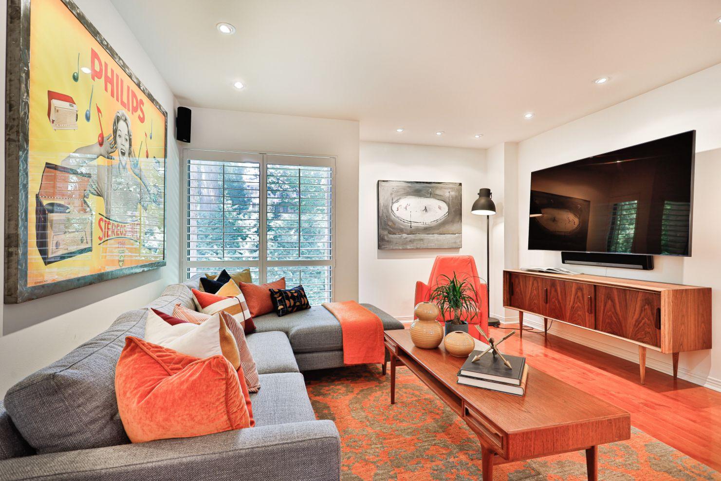 17_Living Room